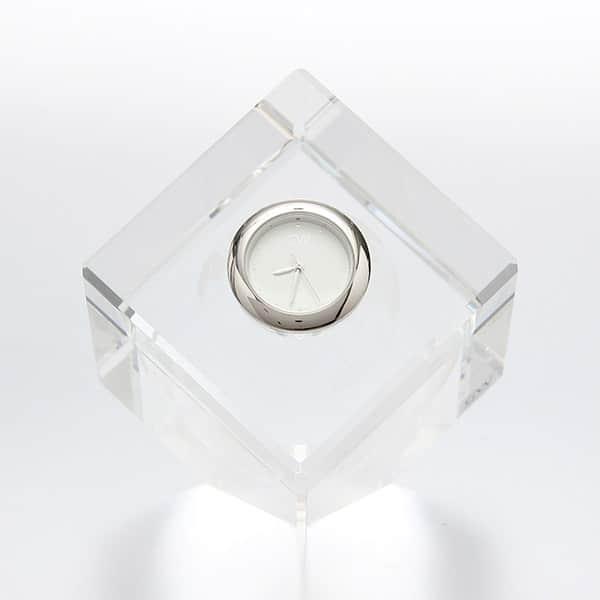 日本を代表するNARUMIから、グラスワークス 卓上3D地球時計