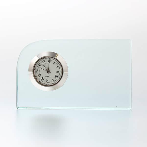 定番の記念品アイテム、レーザー加工でこだわりの名入れを。ガラス製 置時計 FLコーナー